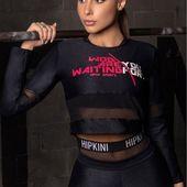 ŠPORTOVÉ TRIČKO WU SHINY BLACK LONG SLEEVE Výnimočnosť a eleganciu tohto modelu podčiarkuje lesklosť materiálu a kombinácia s polopriesvitnou čiernou sieťkou. Online na @hipkins.sk . . #joga #banskabystrica #czechgirl #slovakgirl #bratislavagirl #kosice #leginy #leggings #fitnessfashion #czechwoman #czechfitness #fitnessclothing #slovakfitness #cviceni #fitko #milujemefitnessczsk #fitnessslovakia #sportoveleginy #fitnessczech #germany #slovakgirls #ukazformu #praguegirl